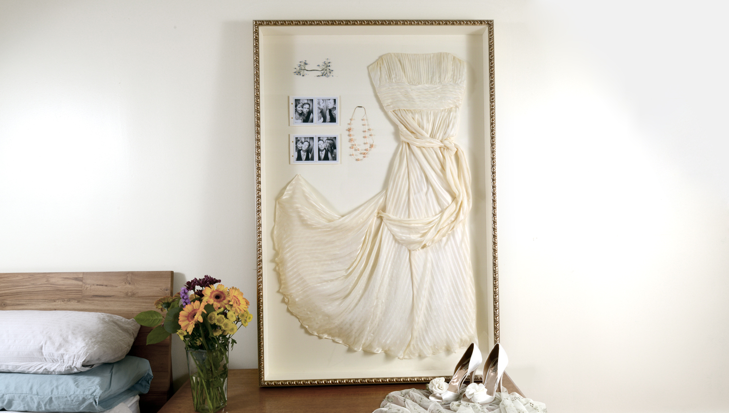 Frame It The Wedding Dress Chicago Frame Shop Custom Picture Framing Store Artists Frame Service