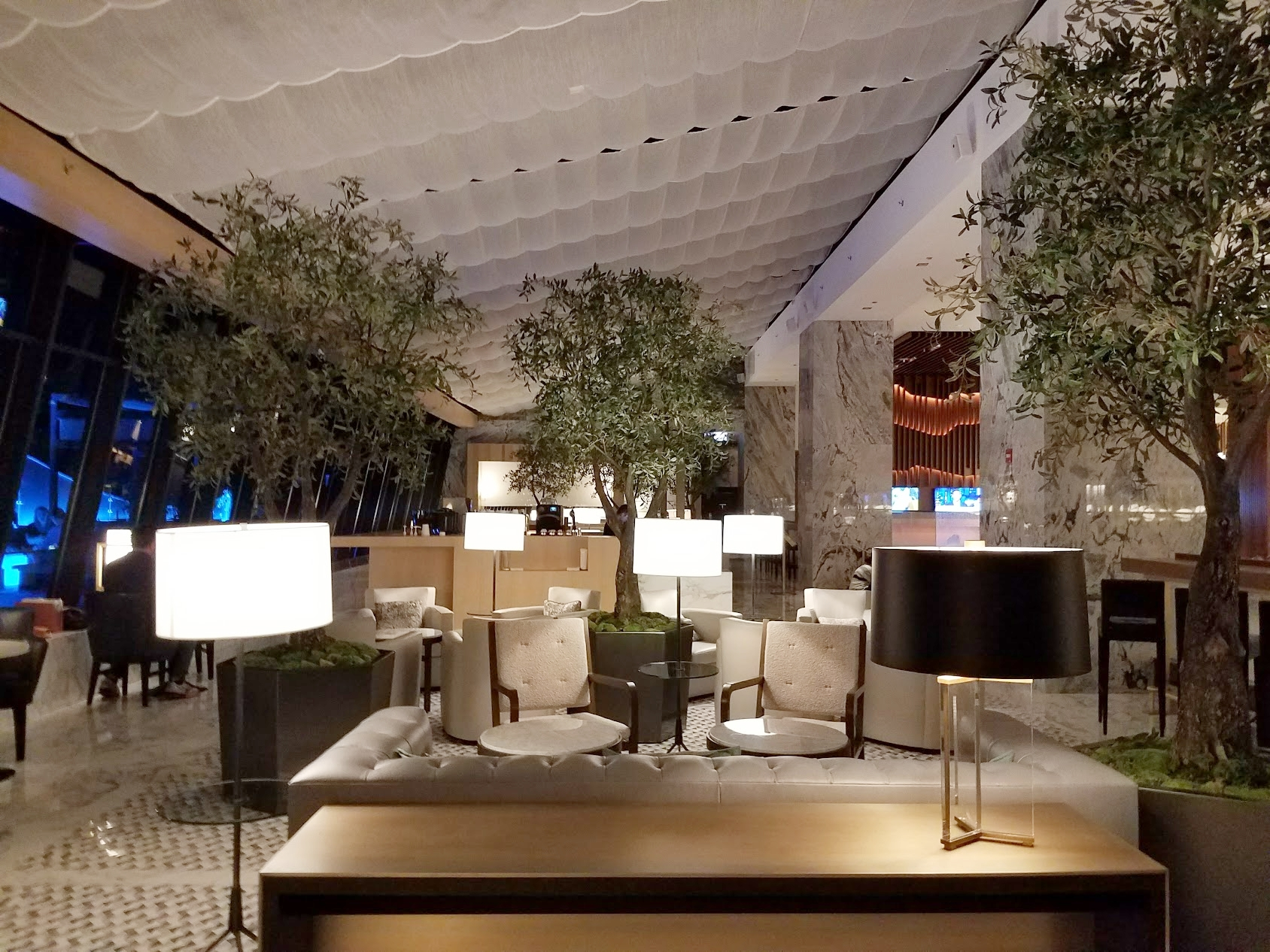 The Ritz Carlton Chicago cafe at night. LOVE.
