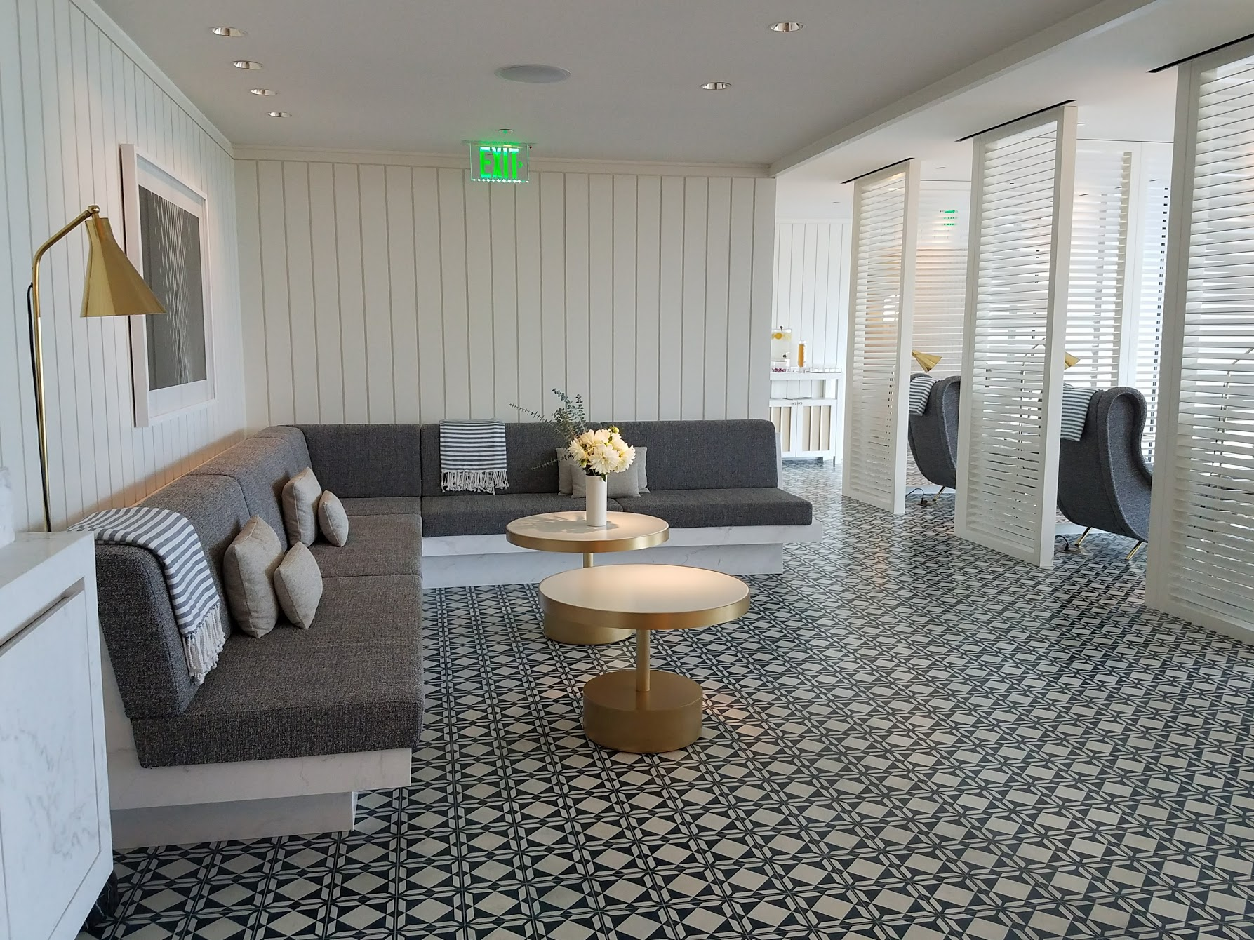 Another relaxation room.
