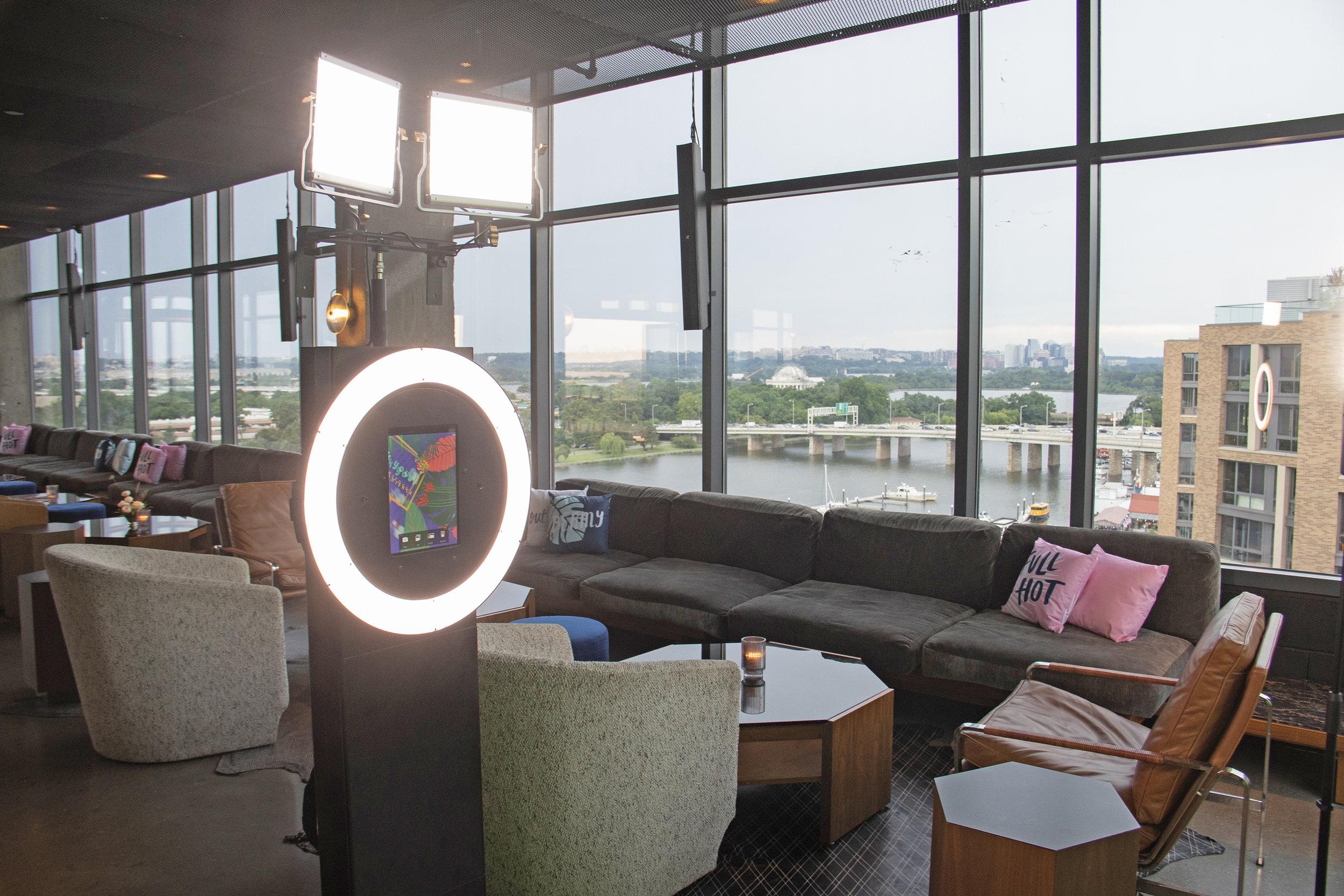 Modern Luxury - Social Booth2.jpg
