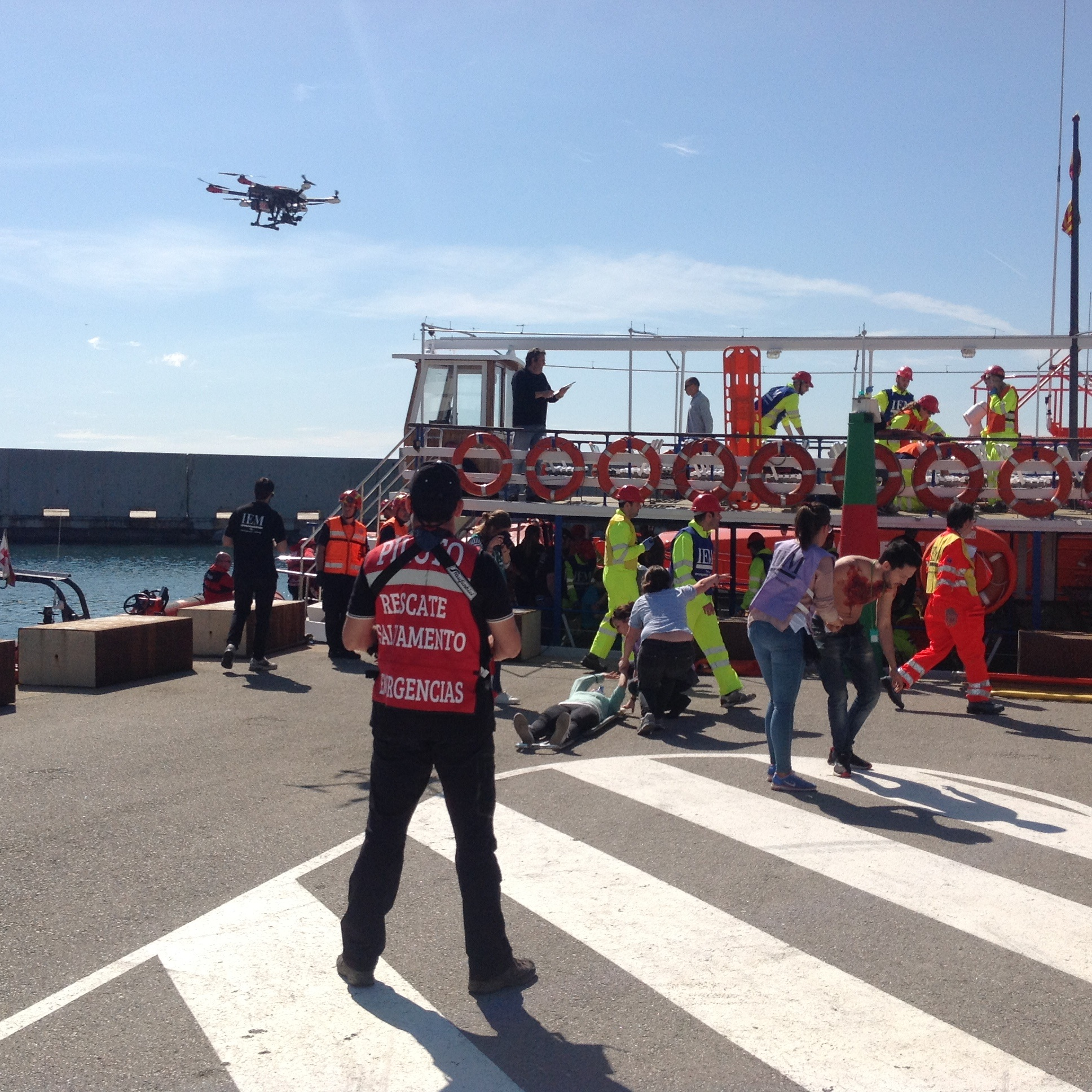 boat-drone-race-track-accident-emergency-rescue-uav-rpa-797302.jpg