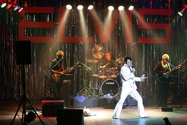 Elvis-1[1].jpg