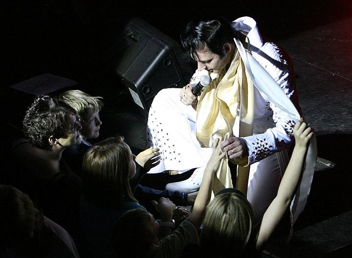 Elvis-5[1].jpg