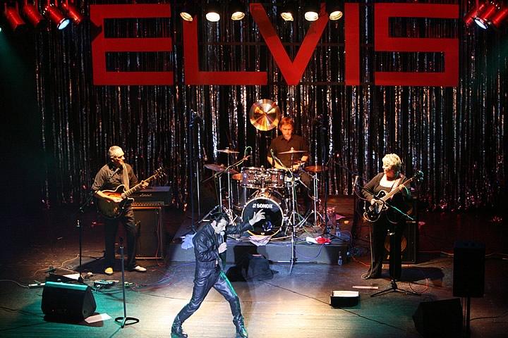 Elvis-4[1].jpg