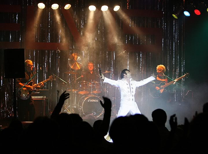 Elvis-9[1].jpg