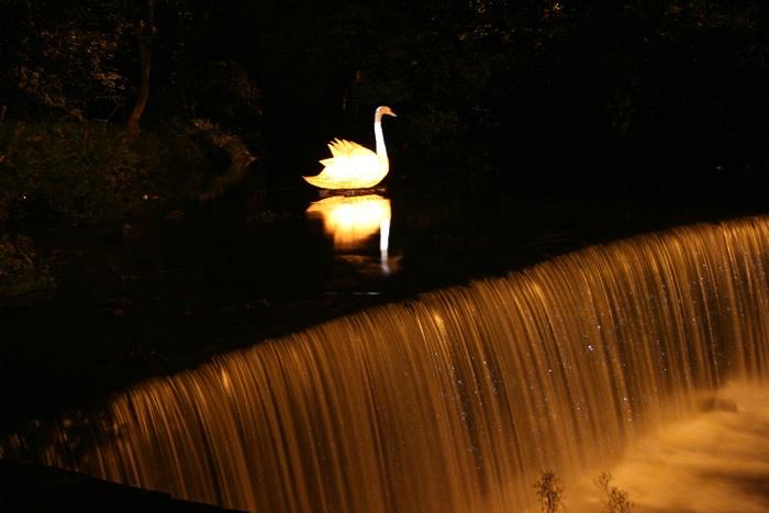 SwanWeir(45k).jpg
