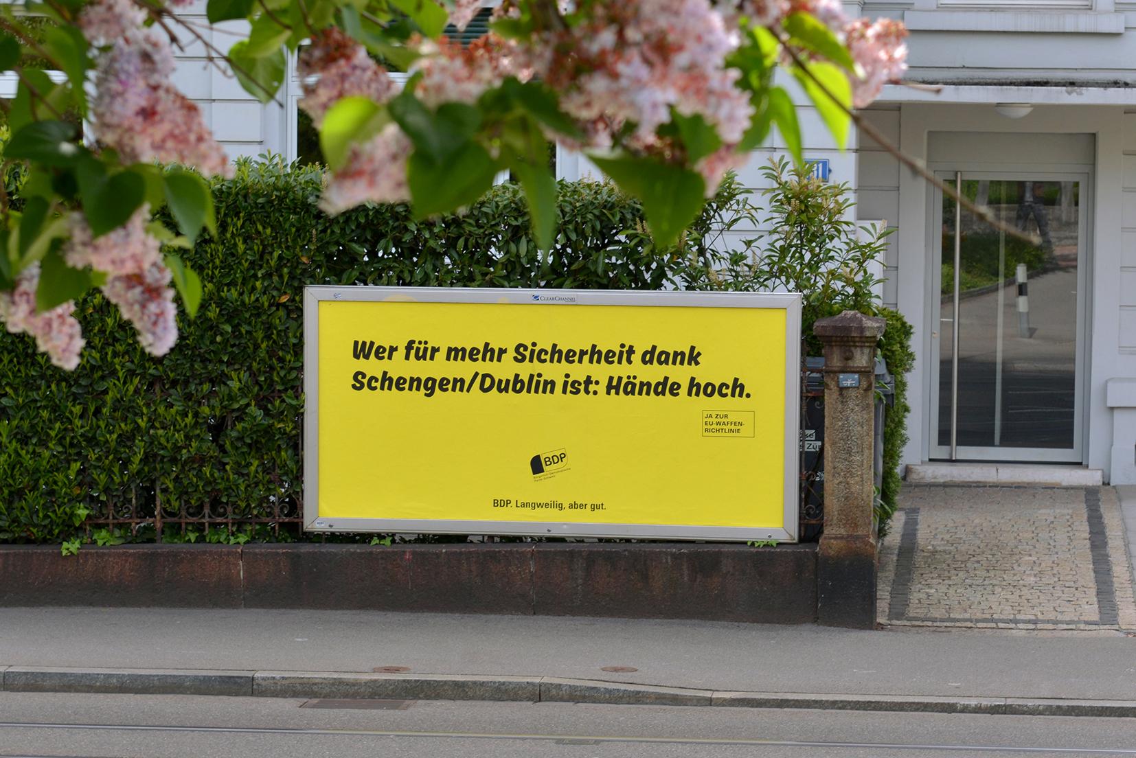 Haendehoch_BDP_(Waffenrichtlinie).jpg