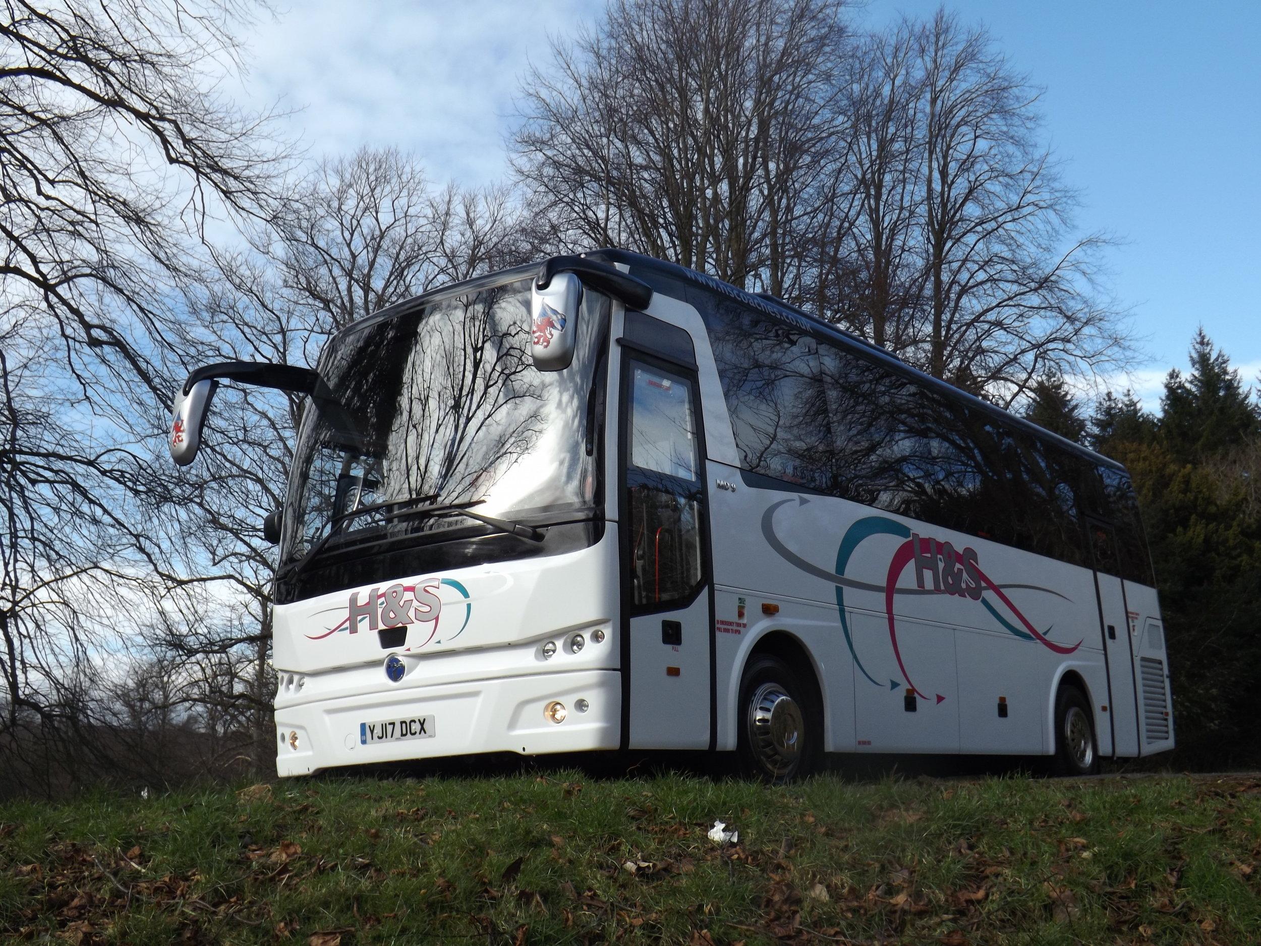 33 seat Temsa MD9 Midi Coach