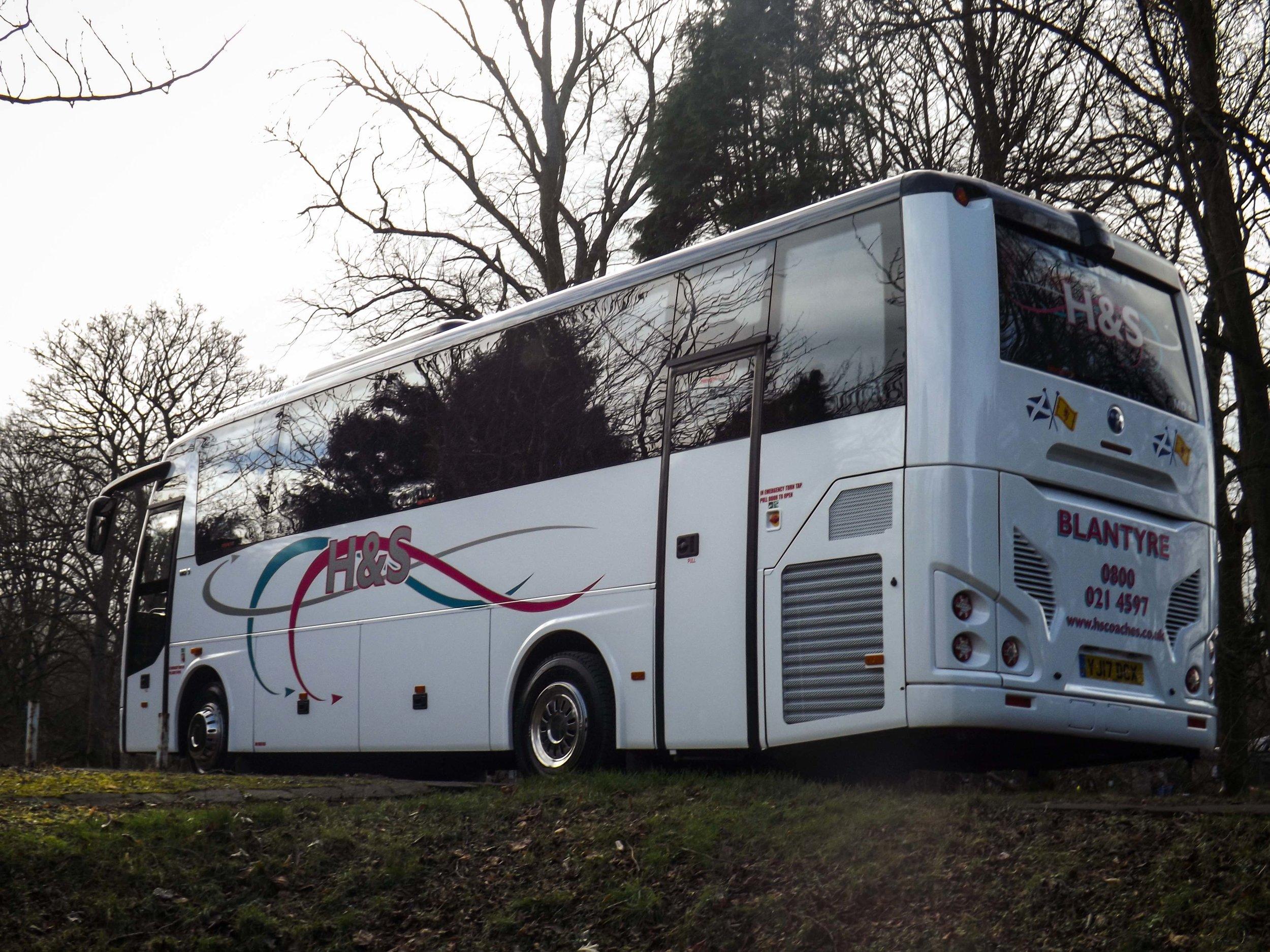 33 seat coach exterior 1.jpg