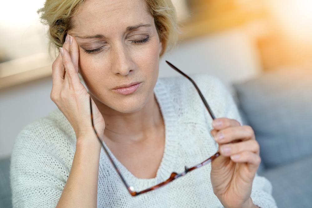 Shoeibin ryhmän (2017) tutkimuksen mukaan koentsyymi Q10:llä näyttää olevan migreeniä lievittäviä vaikutuksia.