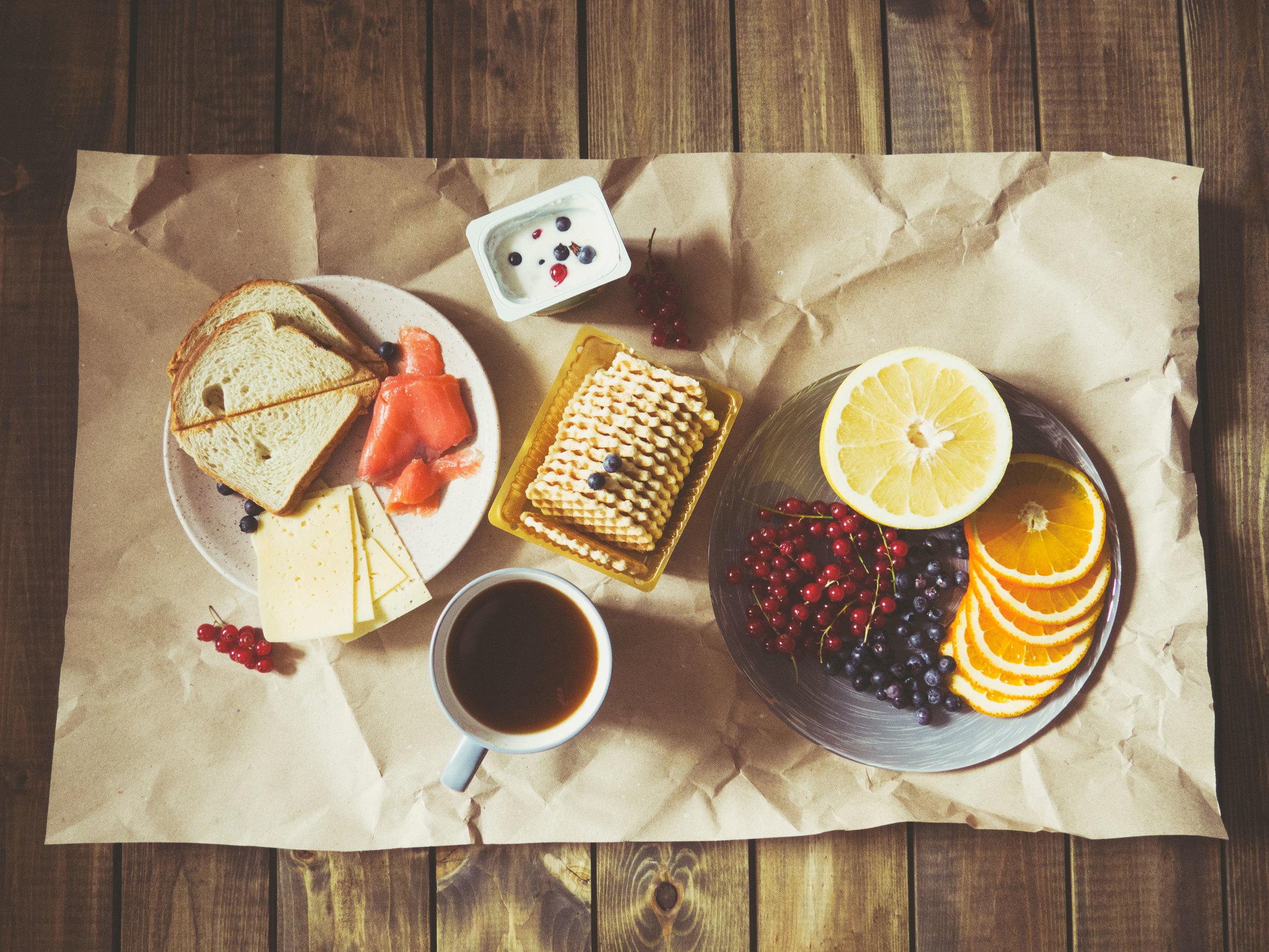 Ruokavalion merkitystä riittävän D-vitamiinin saannin kannalta ei tule liioitella.