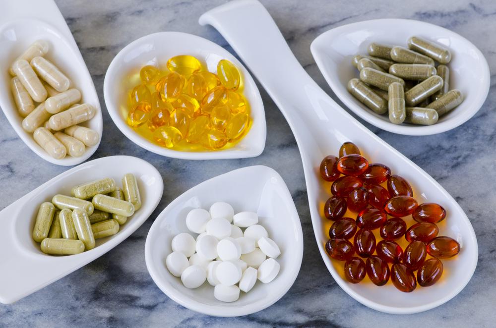 Lääkityksen ja veriarvojen tarkka seuranta mahdollistaa useiden ravintolisien ja lääkkeiden yhteiskäytön.