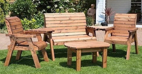 Charles Taylor Trading only use wood that is carefully sourced from sustainable sources to create their beautiful handcrafted garden furniture, and they'll be bringing key pieces down to Waterford this weekend! 🔵⚪ Pop in and see how their products can help your posture and increase circulation while you enjoy the outdoors! 🌿🌳