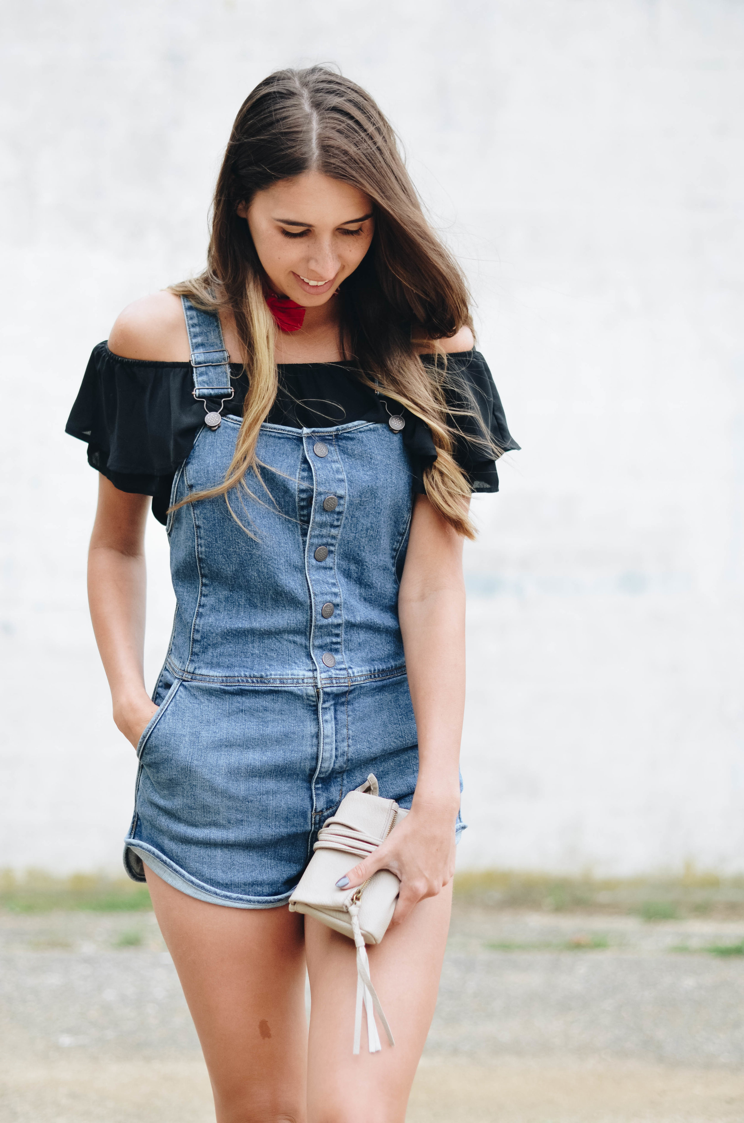 Overalls Off the shoulder top style outfit