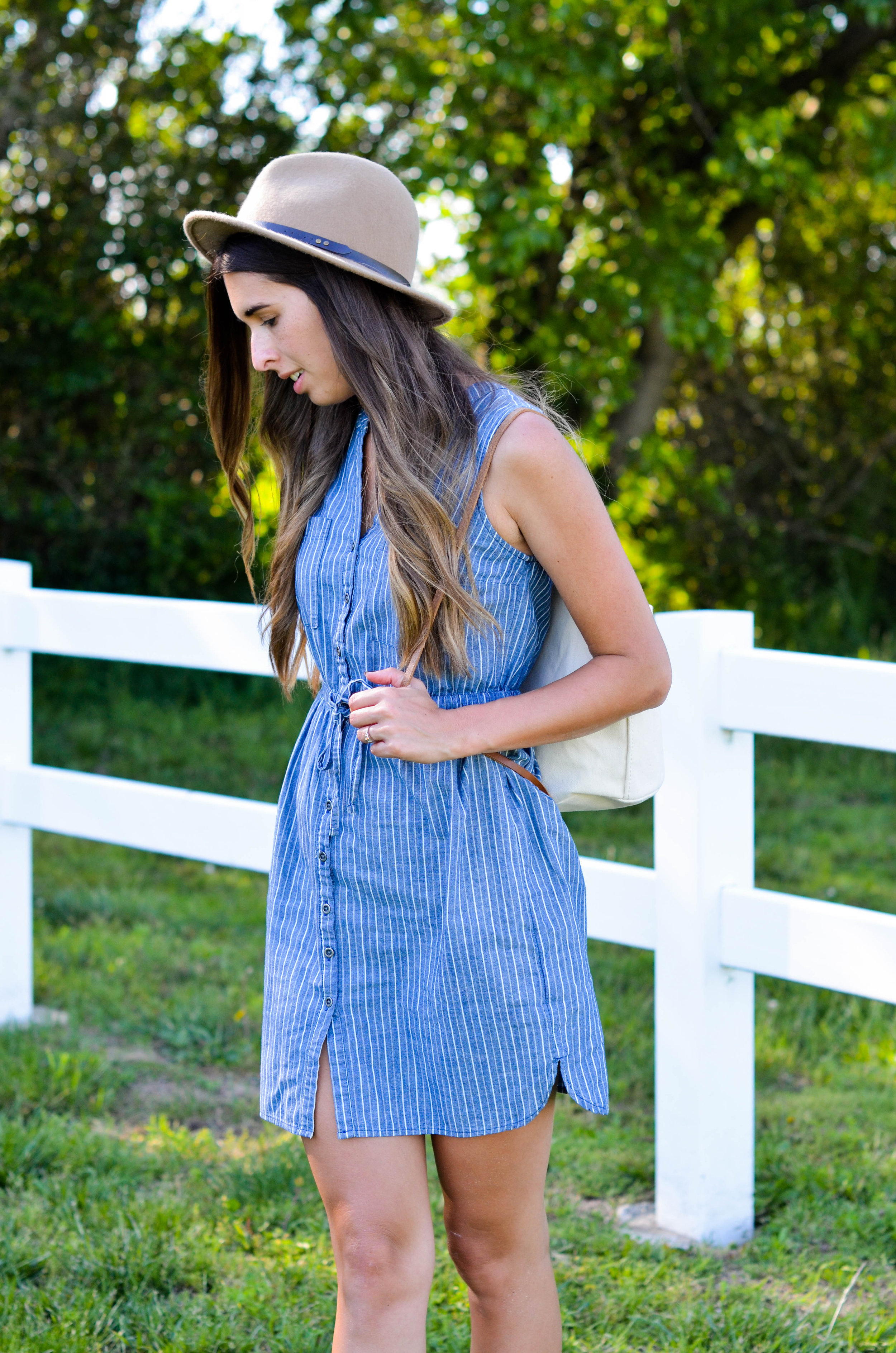 Fine and Feathered - Summer Minimalist Style