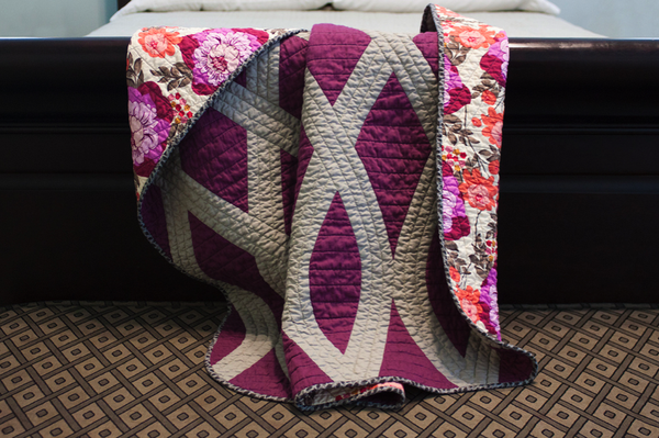 Quilt bt Elizabeth Ancell via Fine and Feathered