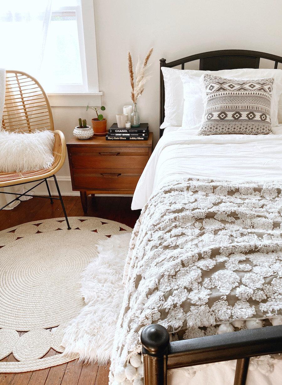 Boho Minimalist Guest Room Makeover Josie Davis Attainable Home Stying