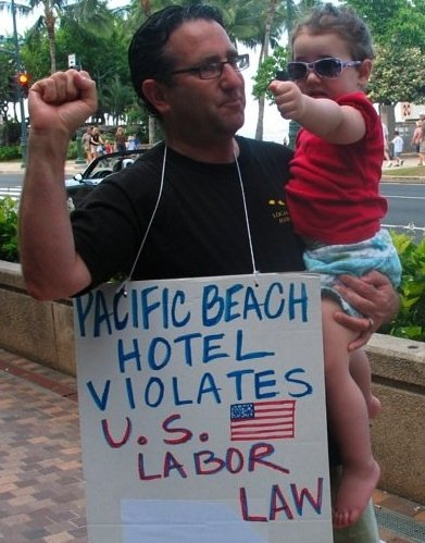 GL MLK Pac Beach picket 2008.jpg