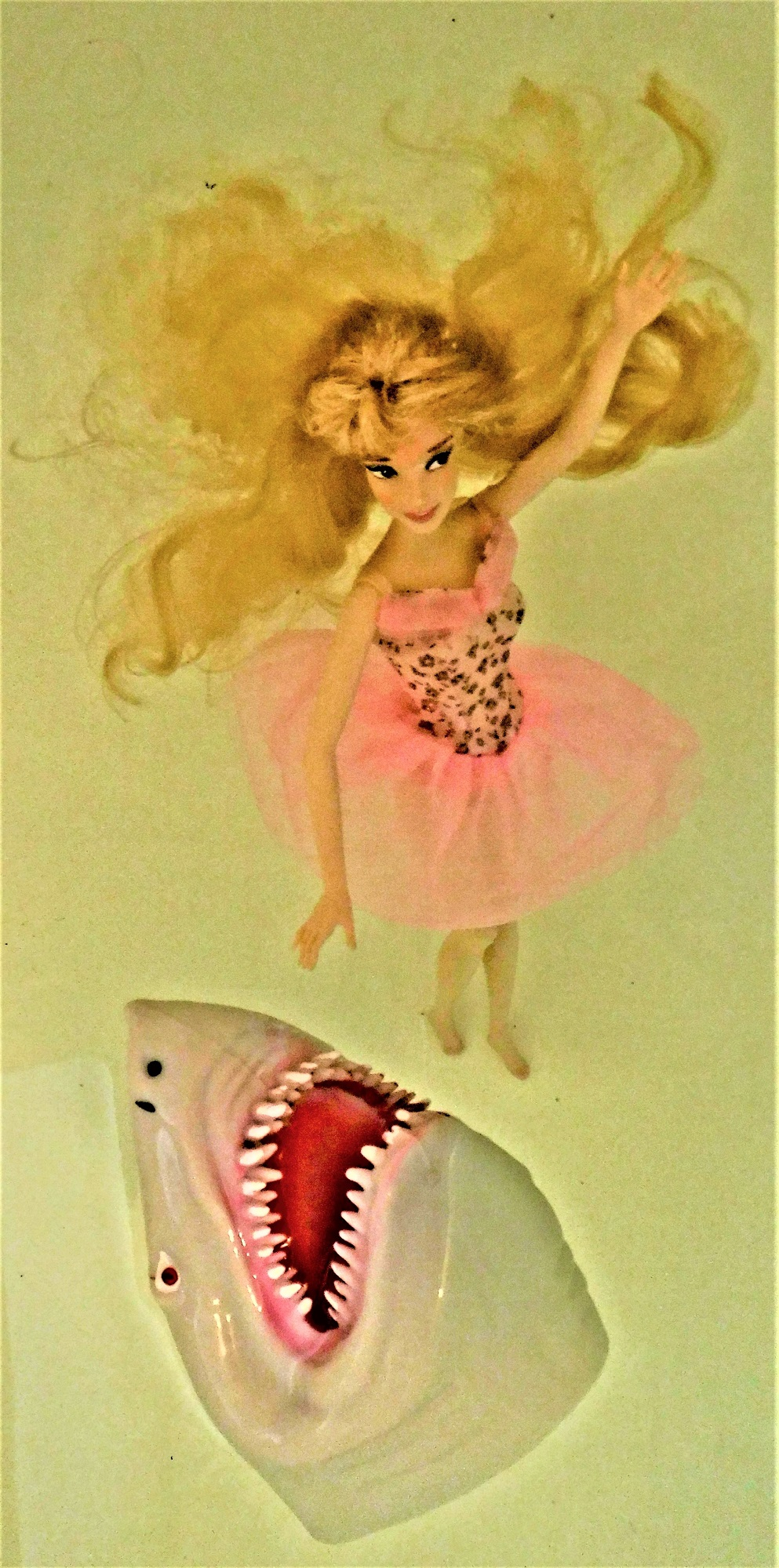 shark puppet blonde barbie (2).JPG