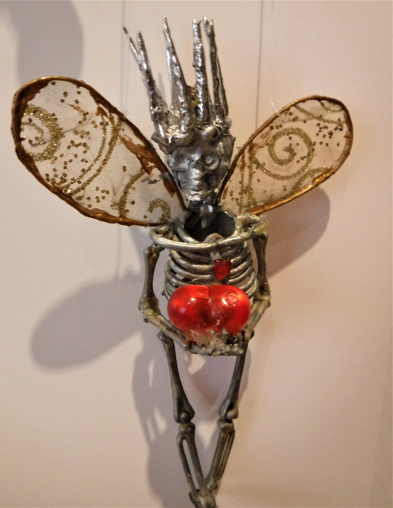 skeleton fairy king solder crown.