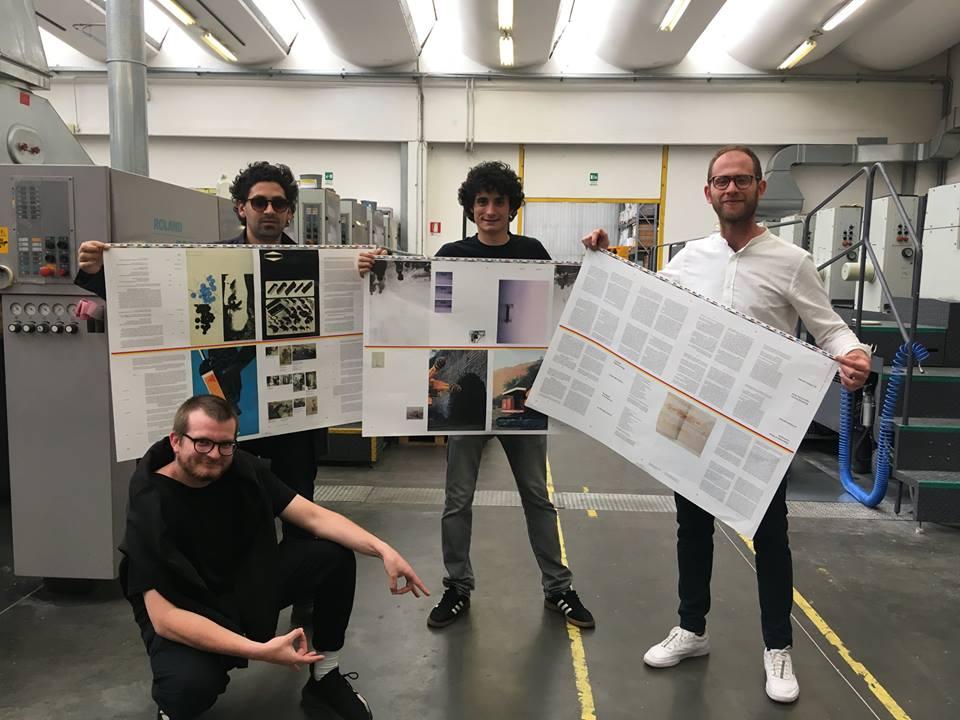"""Nicolas Polli, Martin Errichiello, Filippo Menichetti and Milo Montelli printing """"In quarta persona"""" at Grafiche dell'Artiere"""