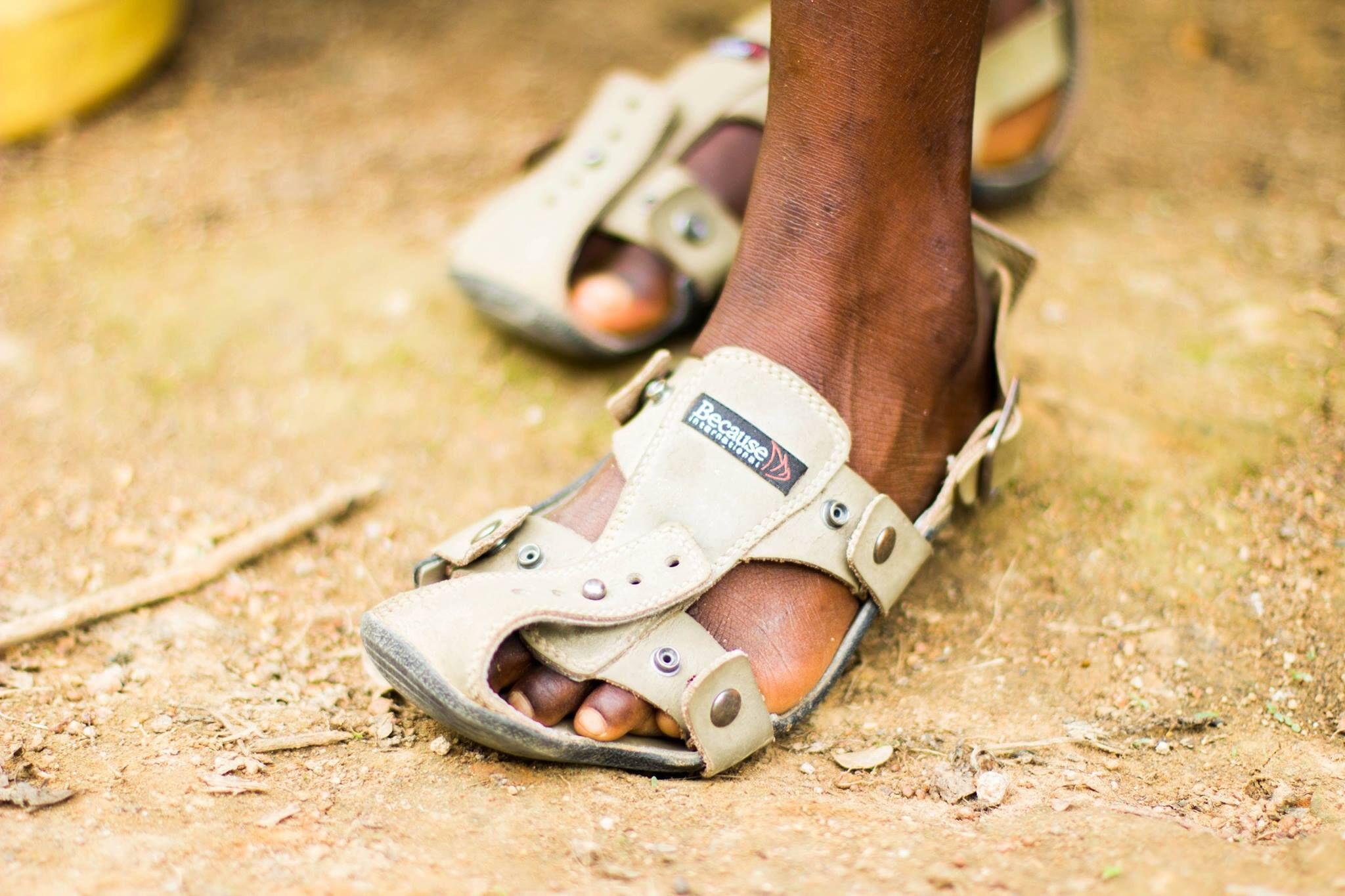 kenton-lee_shoe-that-grows_img.jpg