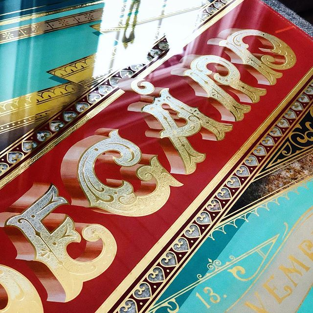 Here are a few more detail shots of the piece I made over December. Trying to pour as many techniques into one sign as possible, Acid Etching, Blended Golds, Mother of Pearl, Blended letter shading and more. Truly fun piece! #acidetching #acid #blends #gold #goldleaf #24k #etch #craft #shading #handmade #craftsmanship #victorian #design #graphicdesign #art #illustration #christmas #gift #societyofgilders #lettering #letterdesign #typography #glassembossing #gildedglass #reverseglass #signpainting #sign #painting #vintage #victoriantype