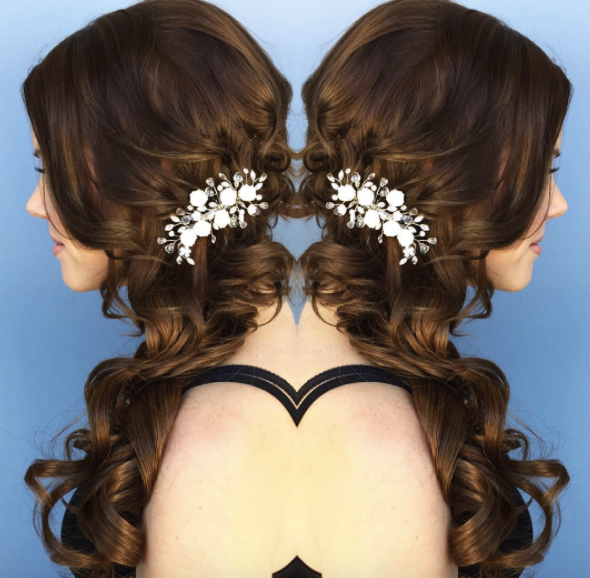 Bridal-wavy-Hairstyle-side-swept-thevanitybelle.com