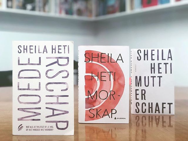 Happy #ForeignEditionFriday! Today we have the Dutch, Norwegian and German translations of Sheila Heti's MOTHERHOOD.  All three covers are the incredible work of Leanne Shapton! • • • #foreign #translation #german #norwegian #dutch #norway #germany #books #bookstagram #bookstagrammer #friday #bookshelf #leabbeshapton #bookcovers #bookjackets