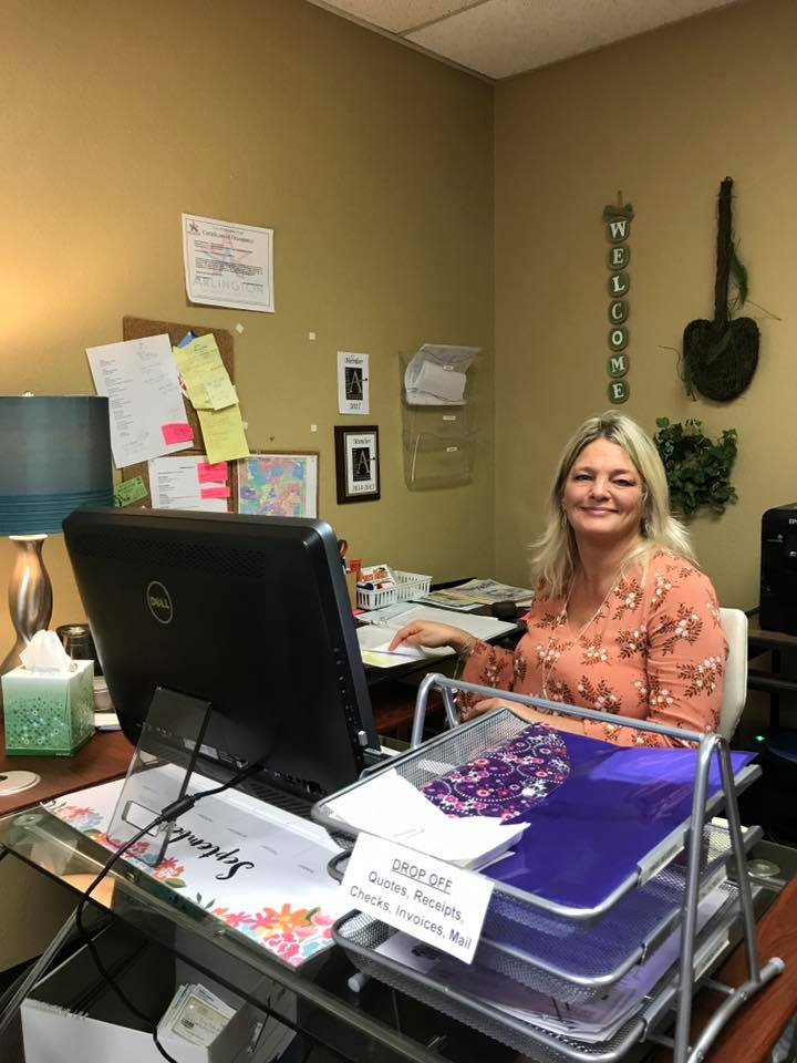 """HEIDI- If you have called our office …. then this is the voice behind the phone!     """" THANK YOU FOR CALLING PRICE RIGH TREE SERVICE!"""""""
