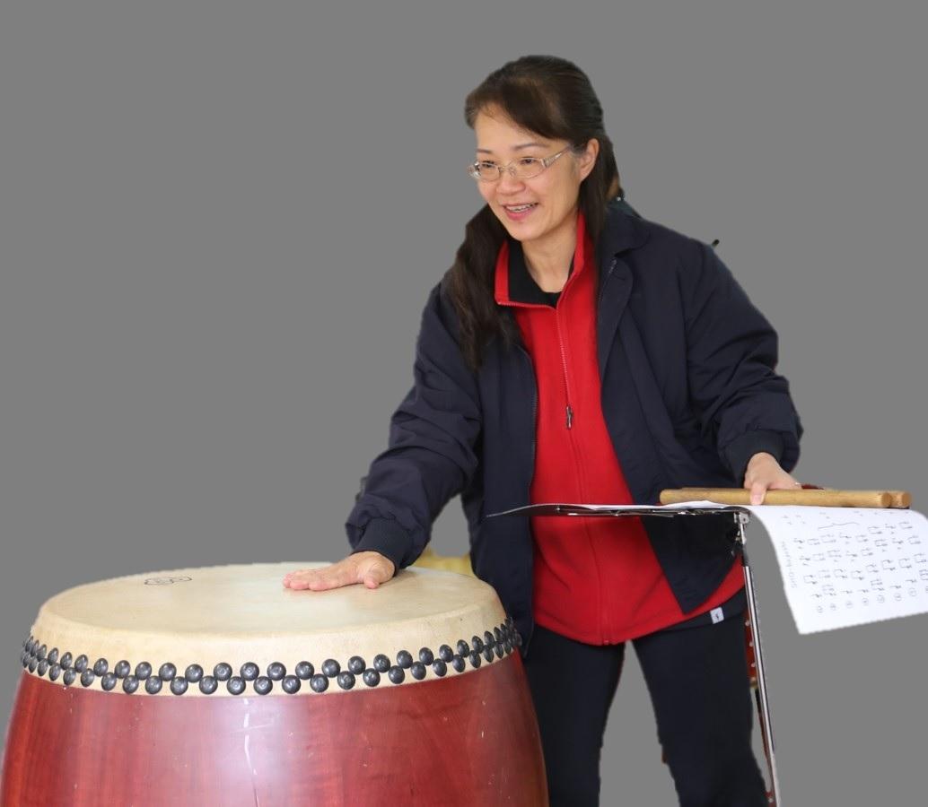 林秀玲  打击乐演奏员。  曾参加梅拉诺文化演艺公司举办的 【花好月圆 ii 】【国乐盛典春雷动地】、【春之声】、【鹰飞龙腾新年新春】的大型演出活动。