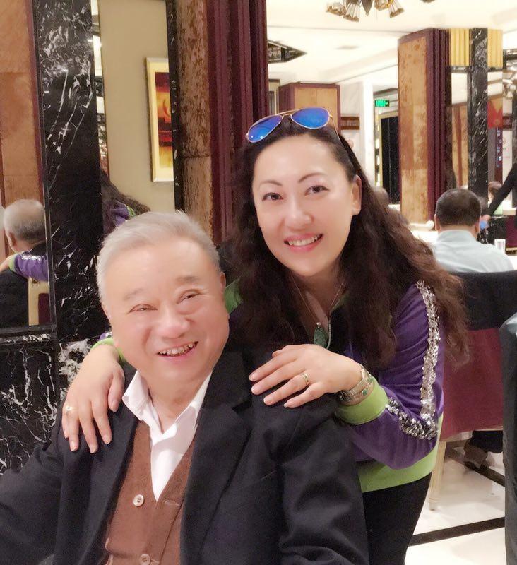 与上海音乐学院著名指挥作曲家周仲康先生在一起