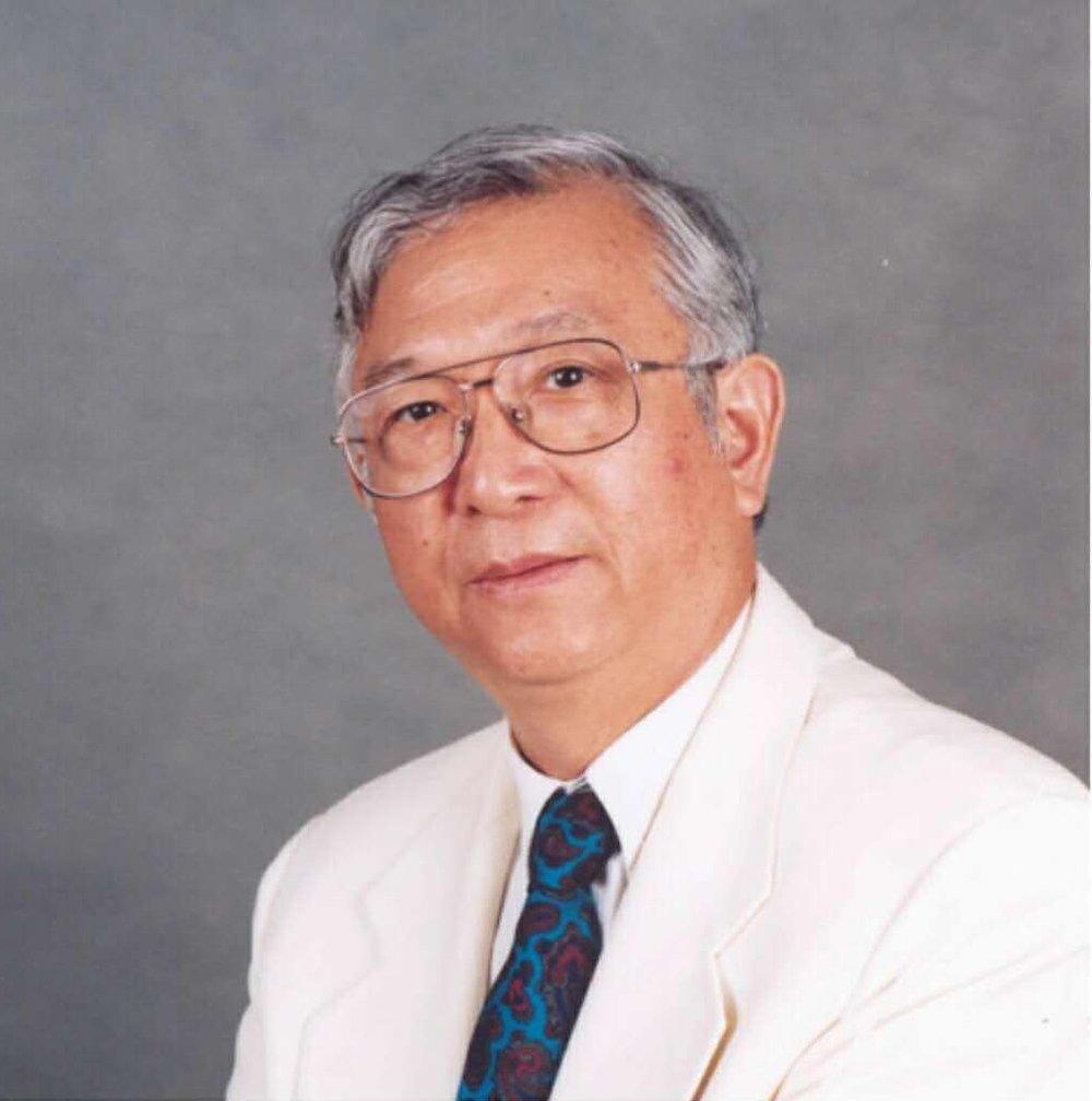 顾冠仁担仼本团艺术委员会主仼、美中华人音乐家协会名誉会长