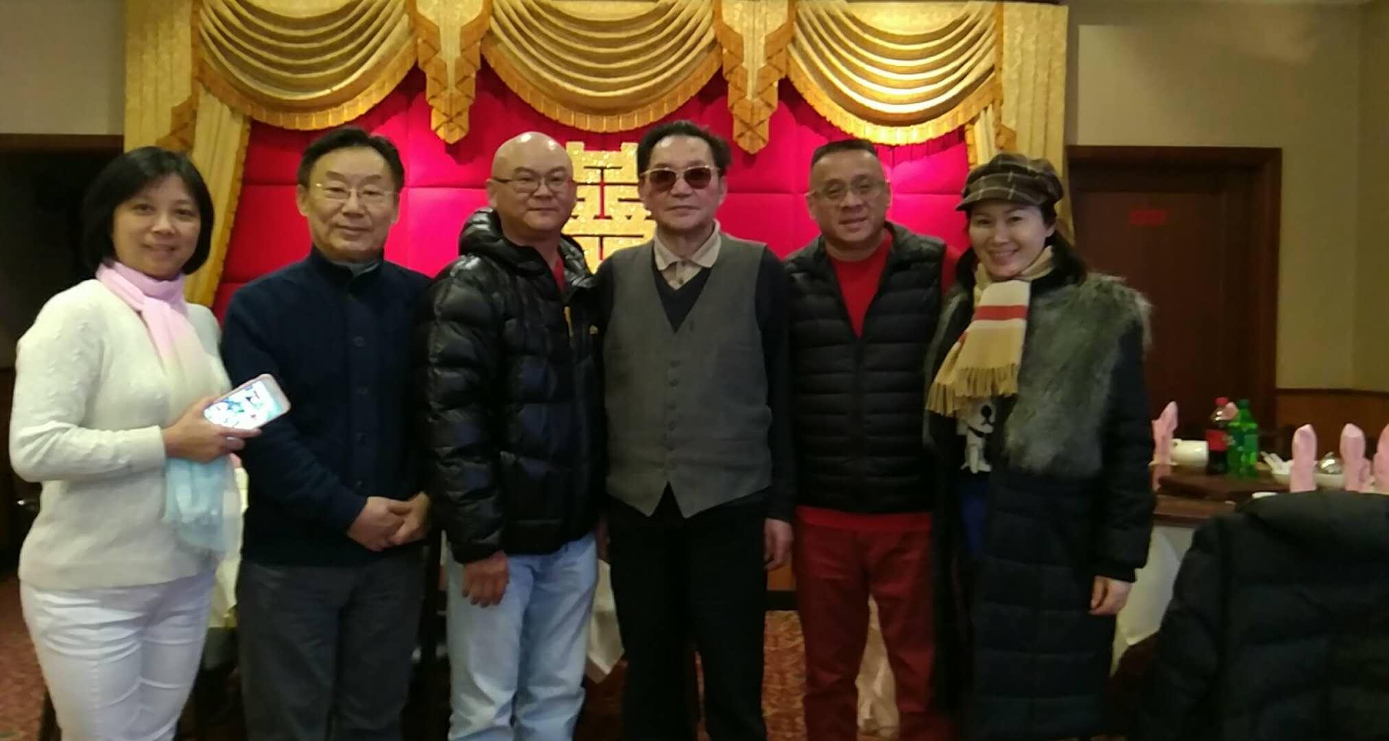 从左:吴伊娜,陈新章,树志明,李思连,邬素斐均来自上海越剧院