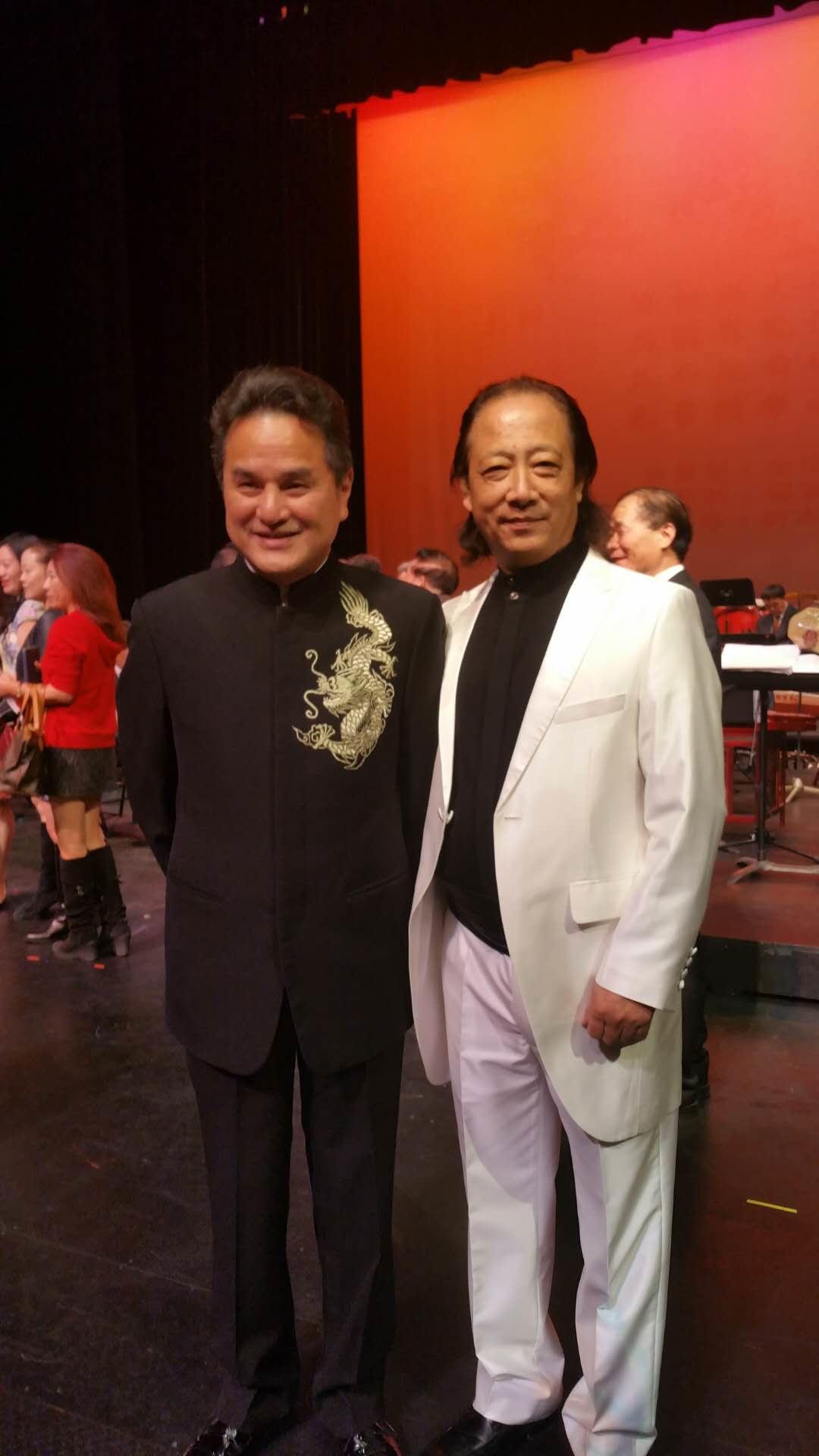中国国家一级演奏家、中华国乐团艺术顾问左翼伟与常驻指挥、本次音乐会音乐指导汪大卫