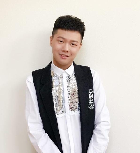 刘子豪(美国华裔青少年歌手比赛优秀奖)