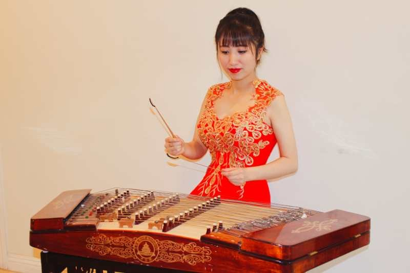 中国当代青年演奏家、教育家,《ZCO》杨琴首席易嘉乐