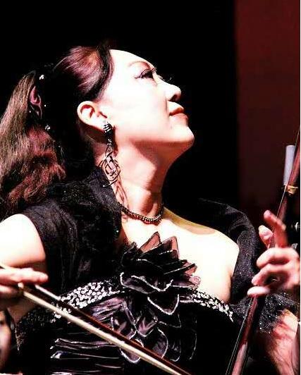 国际弓弦乐演奏家、中华国乐团<ZCO>独奏演员项勤