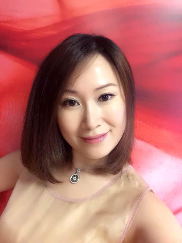 戏曲名家:邬素斐(曾任上海越剧院优秀演员、现美国洛杉矶越剧之家创办人)