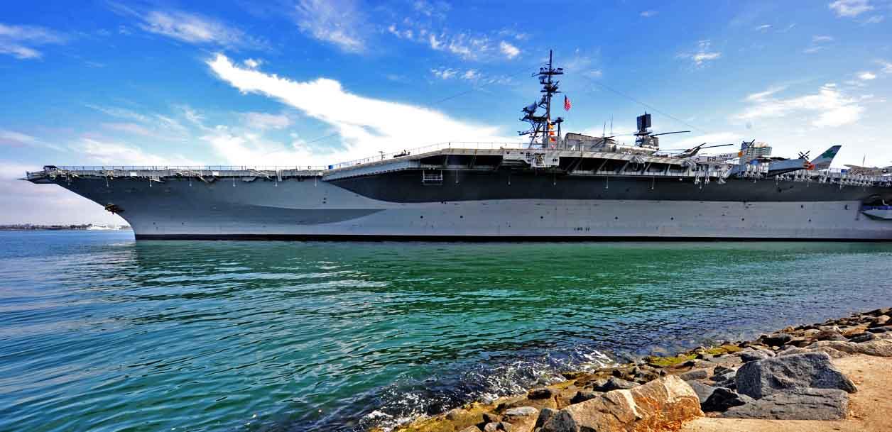 圣地亚哥中途岛航母