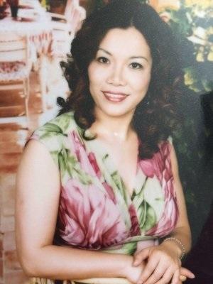 王亚梅:   洛杉矶越剧之家副校长。美中华人音乐家协会理事。