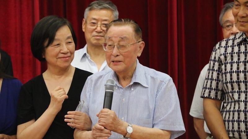 资深小提琴演奏家、教育家、美中华人音乐家协会理事李文华发言