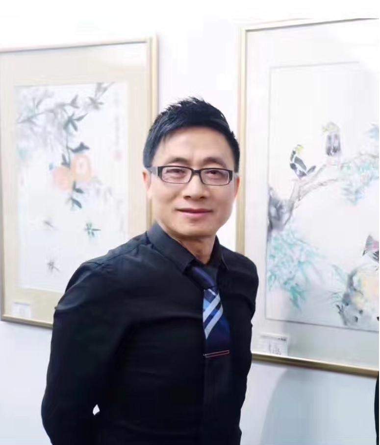 彭南林(Arthur Peng)  從事文化电影藝術教育行业,酷愛阅读寫作、繪畫書法、歌唱表演、中英文主持。參與舞台剧、时尚秀、電影表演。现任阳光教育学院执行院长,好莱坞电影学院副院长。