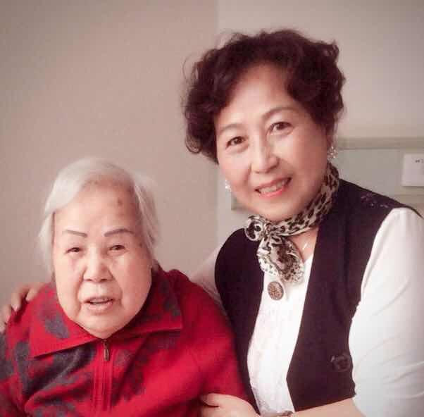 著名越剧表演艺术家周宝奎(老旦王)与陈雪梅