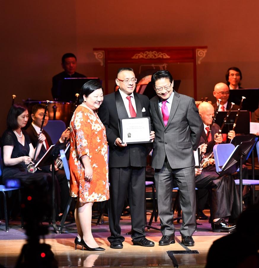 鹰龙传媒总经理苏林淑婷、梅拉诺文化演艺总裁李愔、国会候选人伍国庆
