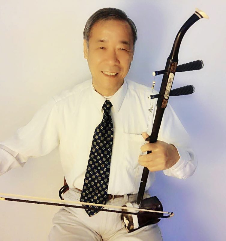 王增顺  自幼喜爱二胡。近年受到杰出音乐家付清裕,以及二胡教育家蒋青教授教导。曾在洛杉矶参加过多次演出。