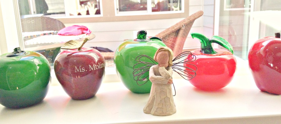 When I was teaching, I collected apples. These glass ones were pretty enough to keep.