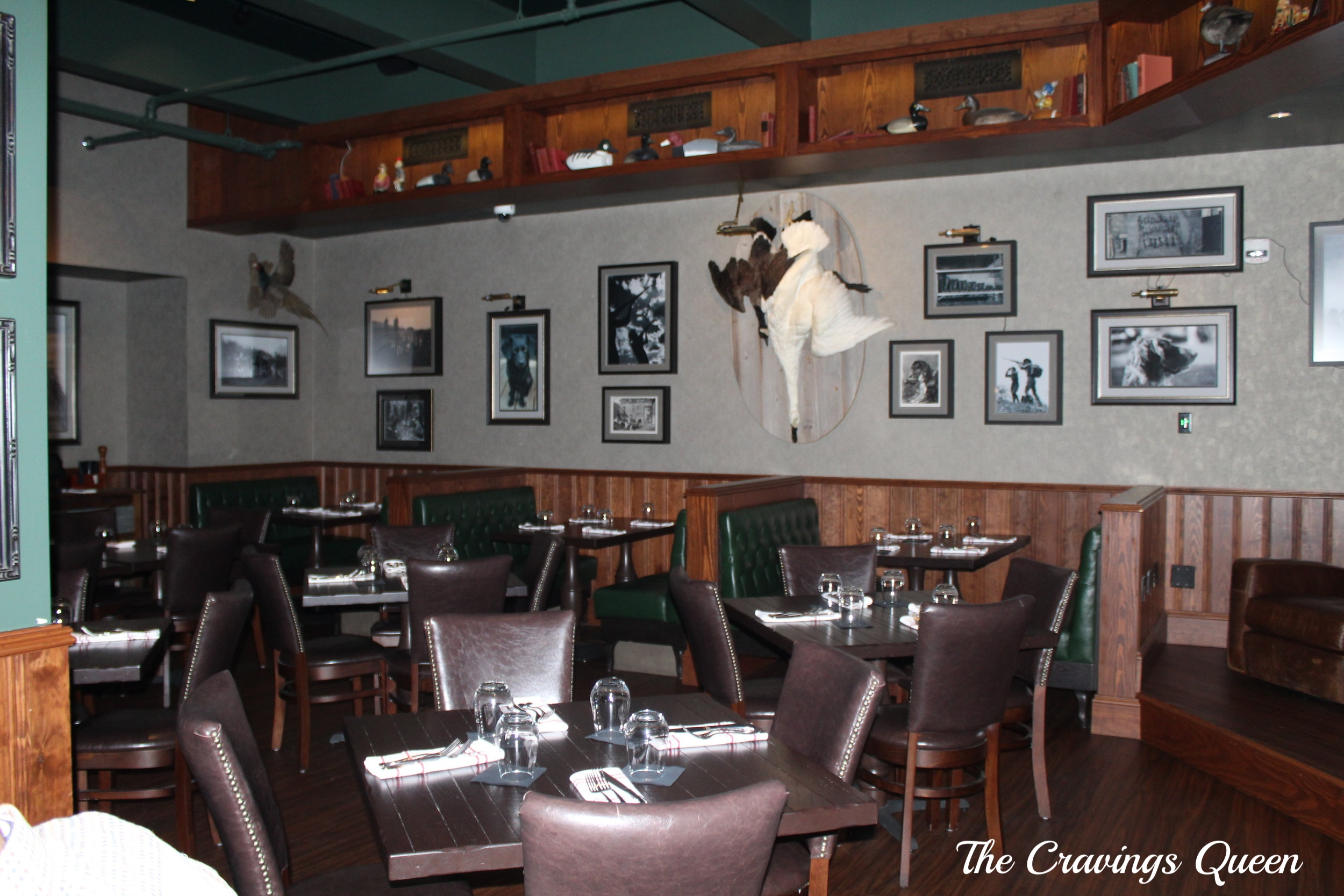 The-Hunt-Room-dining-room-2.JPG