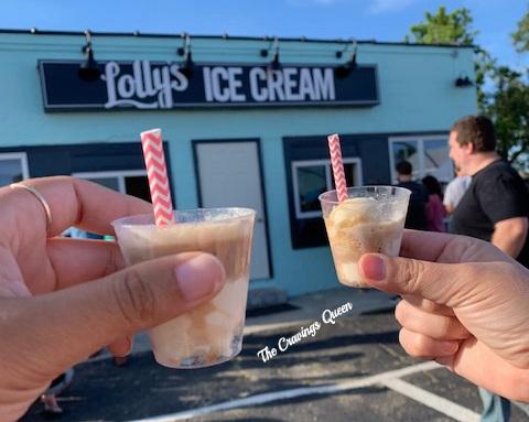 Lolly%27s+Ice+Cream-root+beer+float.jpg
