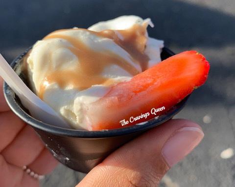 Lolly%27s+Ice+Cream-sundae.jpg